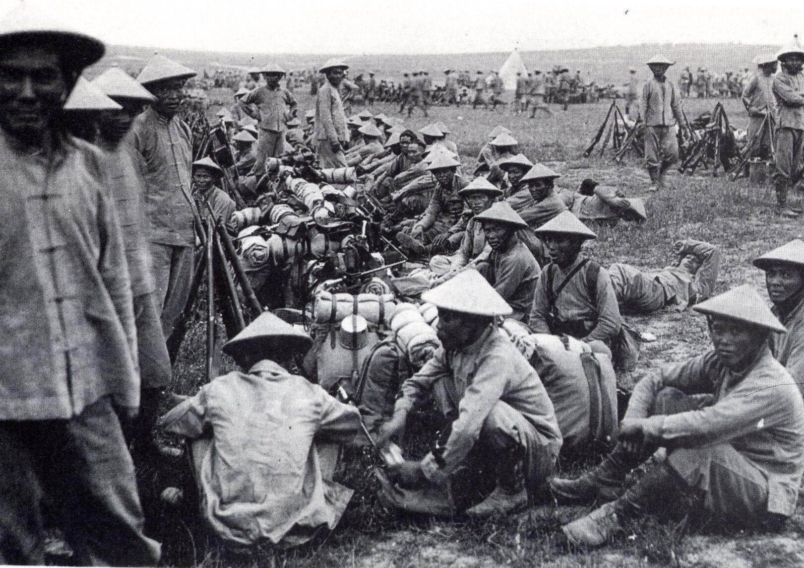 67e5c6b56 Wietnamskie oddziały kolonialne w służbie francuskiej na froncie salonickim  w 1916 r. Źródło: ze zbi.