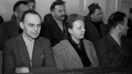Na zdjęciu oskarżeni: W. Pilecki, M. Szelągowska i T. Płużański. Fot. PAP/CAF