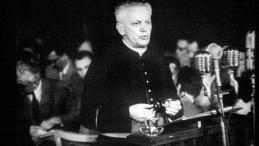Bp Czesław Kaczmarek podczas procesu w 1953 r. Źródło: IPN