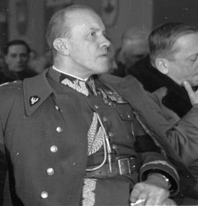 "Gen. Stefan Mossor, dowódca GO ""Wisła"". Fot. PAP/CAF"