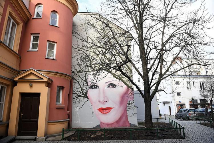 W Warszawie Odslonieto Mural Z Podobizna Kory Dzieje Pl Historia