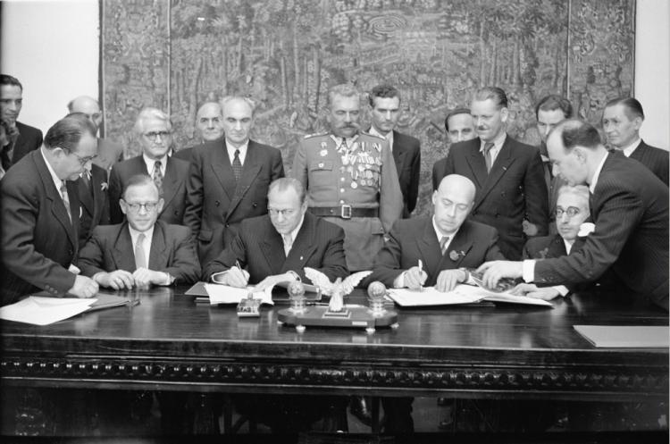 70 lat temu podpisano między Polską a NRD układ o granicy na Odrze i Nysie  Łużyckiej | dzieje.pl - Historia Polski