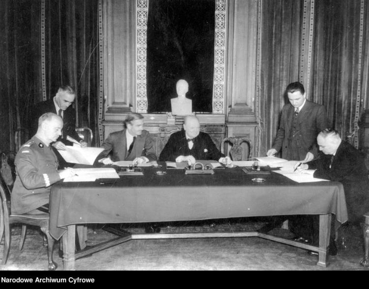 Podpisanie układu Sikorski-Majski. Fot. NAC
